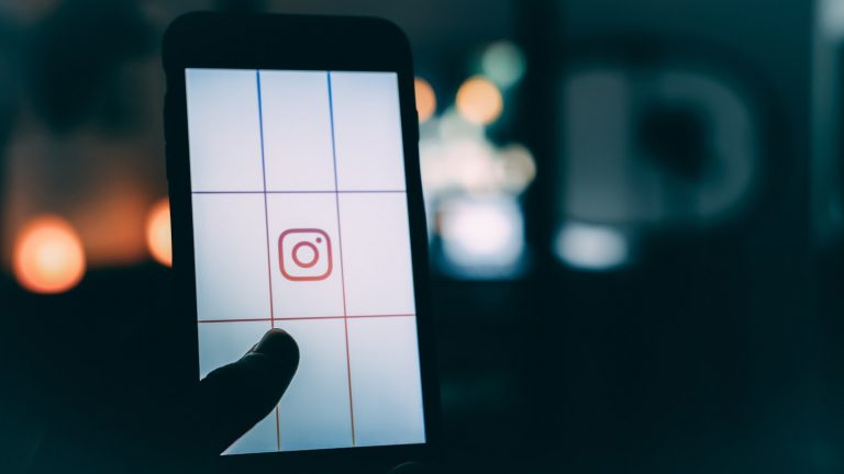 instagram ads. instagram, instagram video ads, instagram story ads adverts, digital marketing, instagram advertising guide, how to run ads on instagram, engagement, likes, ROI